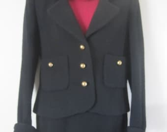 DAVID HAYES beautiful VINTAGE 100% wool suit size 6 made in usa