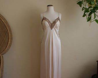 Vintage nylon cream lace JCPenneys night gown medium