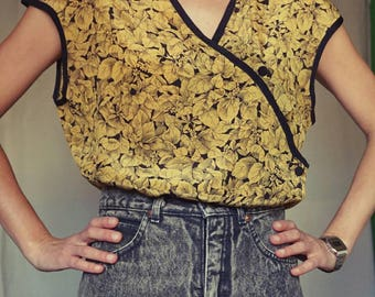 VINTAGE 80's blouse//gold and black// oriental style