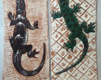 Decorative ceramic lizard tile