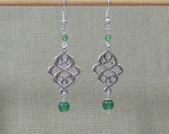Pearl Earrings green agate and silver metal connector