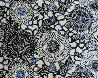 Japanese Yuzen (Chiyogami) Paper - 6x6in, 8.5x11in, 18x12in, 18x24in - Various Pack Sizes- Large Black & Blue Zinnia Flowers on Beige - #130