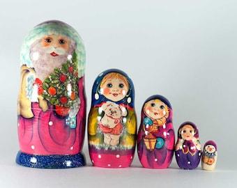 Matryoshka Doll Russian Santa with Kids Nesting Doll