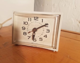 vintage midcentury general electric alarm clock