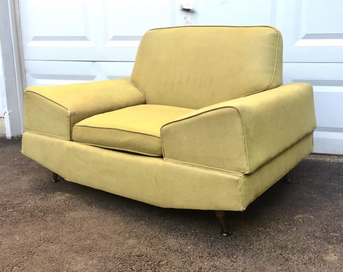 Large Mid-Century Modern Lounge Chair