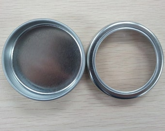 24 Small round tin box with window lid (5cm x 2 cm)