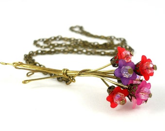 Bouquet of flowers necklace