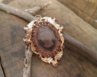Vintage Gold Tone Ornate Faux Amethyst Cameo Brooch