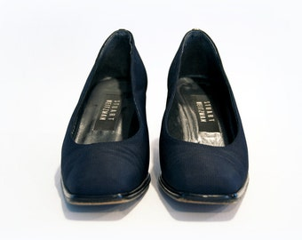 vintage stuart weitzman navy blue cloth square toe heels with black patent leather heel details (sz. 6 M)