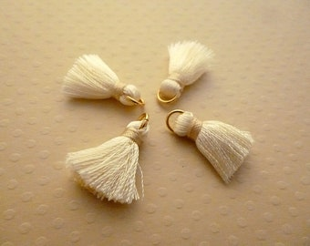 Set of 4 20mm ivory silk tassels