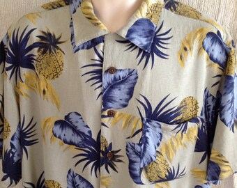 men's vintage '90's La Cabana aloha hawaiian shirt Large rayon grey blue yellow floral short sleeve button up  coconut wood buttons