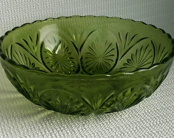 Retro Green Glass Bowl Avocado Green Glass Fruit Bowl by Anchor Hocking Cameo and Stars Pattern Glass Vintage Wedding Decor