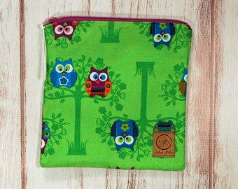 Reusable Sandwich Bag - Sandwich Bag - Zipper Pouch - Zipper Bag - Owls on Green
