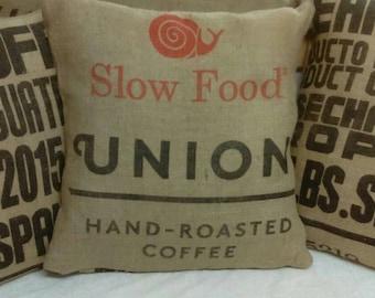 Set of 3 coffee Sack cushions