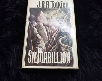 Vintage 1977 The Silmarillion J.R.R Tolkien Book