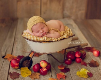 Simply Newborn Bonnet in Dreamy Sunshine Golden Yellow