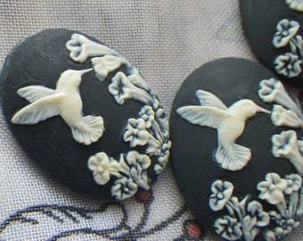 Dainty Black Hummingbird 25x18mm Cameos in Resin 4 Pcs