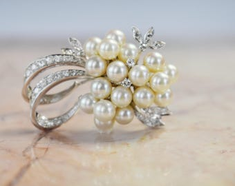 Pearl and diamond Vintage Brooch