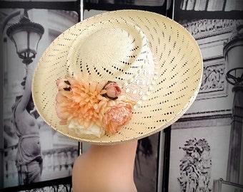 80s SONNI San Francisco - Creamy Straw Brim Hat - Peach & White Band - Gorgeous Silk Flowers at the Back