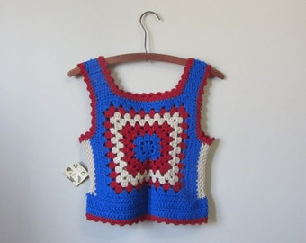 1970s red, white & blue granny squares crochet crop top | 70's Boho Hippie Tank Top | XS to S