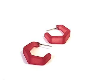 Cranberry Hoop Earrings   Dark Mauve Red Frosted Tapered Hex Hoops   vintage mod lucite hoop earrings