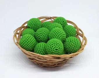 """Crochet beads 3/4"""" 20 mm Green  Round beads Necklaces Ready to ship Organic crocheted beads 100% organic cotton Supplies Wooden crochet"""