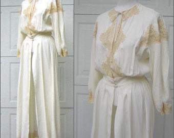 Vintage 1940s Lace Bridal Robe CHUMLEY Charles F. Berg - Romantic Elegance Small to Medium - Ivory on Vanilla