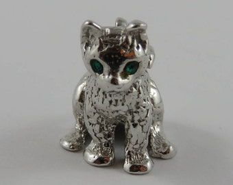Sitting Cat With Green Stone Eyes Sterling Silver Vintage Charm For Bracelet