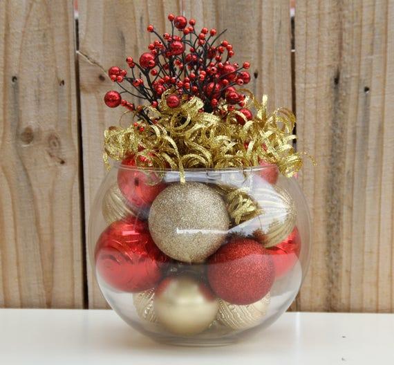 Christmas centerpiece red and gold holiday decor - Ver adornos de navidad ...
