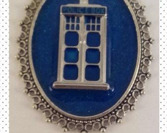 Doctor Who / TARDIS Pendant