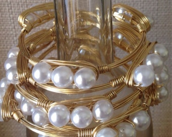 Pearl Wire Bangle, pearl gold bangle, wire wrapoed pearl bangle, handmade wire bracelet, gold wire bangle bracelet, christmas gift,
