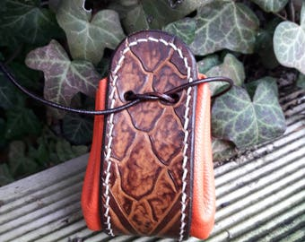 Dragon scales leather purse