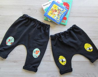 Fleece trousers for children with fancy patches in Jersey