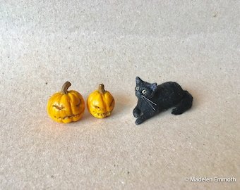 OOAK Hand Sculpted Realistic Miniature black Cat Pet Animal Dollhouse 1:12th Scale