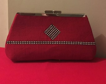 Medium size red clutch