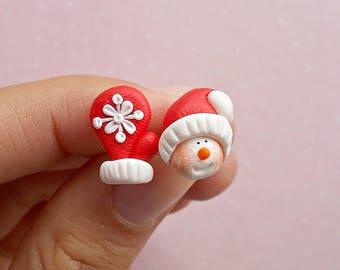 Christmas Earrings - Snowmen Earrings - Snowmen and Mitten Earrings - Christmas Jewelry - Holiday Gifts - Secret Santa Gift