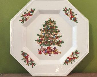 Fairfield Fine China Peace on Earth Christmas Dinnerware 4 Plates Christmas Tree