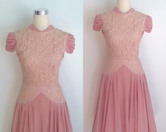 1950s Dusty Pink Drop Waist Dress with Cream Lace Bodice Size Medium | 50s Pink and Cream Cocktail Dress 27 inch Waist