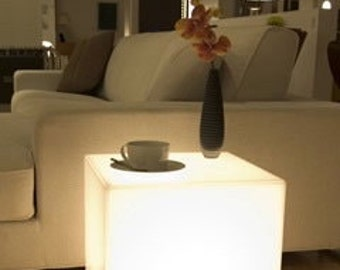 Lumicube T6 - illuminated Perspex Table | Plexiglass | Lucite | Acylic