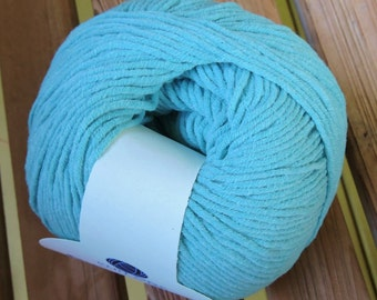 WORSTED Weight Yarn - Cotton & Acrylic - Caribbean(#697) - DungarEASE 100g / 250 yards -  Knit One Crochet Too
