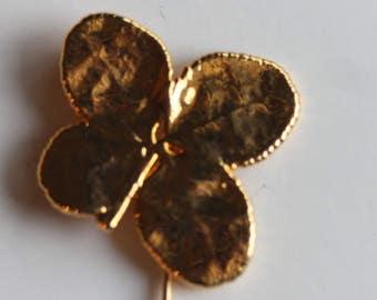 Gold tone vermeil dangle 4 leaf clover stick pin