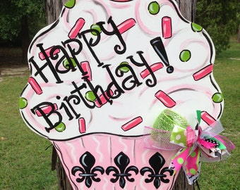 Happy Birthday, Cupcake, Door Hanger, Door Decor, Door Wreath, Celebration