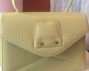 Vintage handbag 1960/faux crocodile yellow/pale yellow purse.