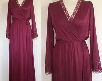 Vintage 70s / Wine Colored / Wrap / Boudoir / Lace Detail / Lingerie / Robe / Medium