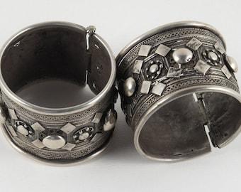 Antique Rashaida Cuffs / Yemen / Tribal Silver / Ethnic Bracelet / Antique Tribal