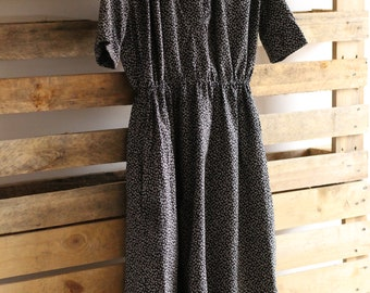 Cotton black and white dress with lining secretary