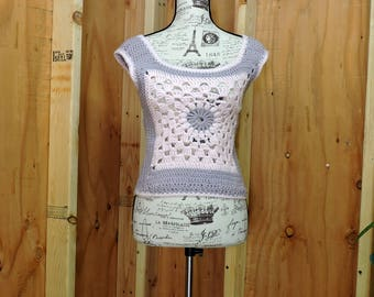 Vintage 70s granny square sweater / size S / 1970s crocheted pink gray top / boho hippie handmade festival top