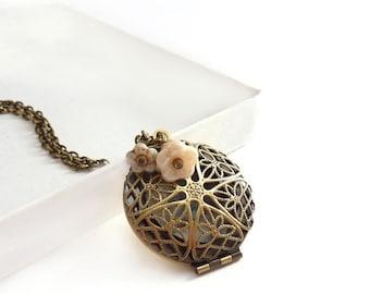 Bronze Flower Locket - Ivory White Flowers - Romantic Photo Locket Keepsake Bronze Filigree - Locket Jewelry - Free Shipping