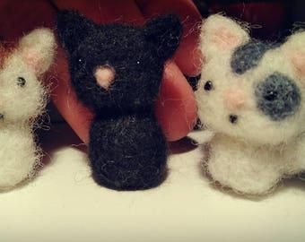 Kittens in felt wool