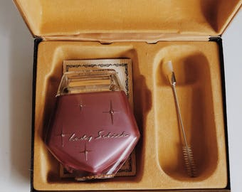 Vintage electric lady Schick razor, Vintage pink lady schick razor, Pink razor with yellow case